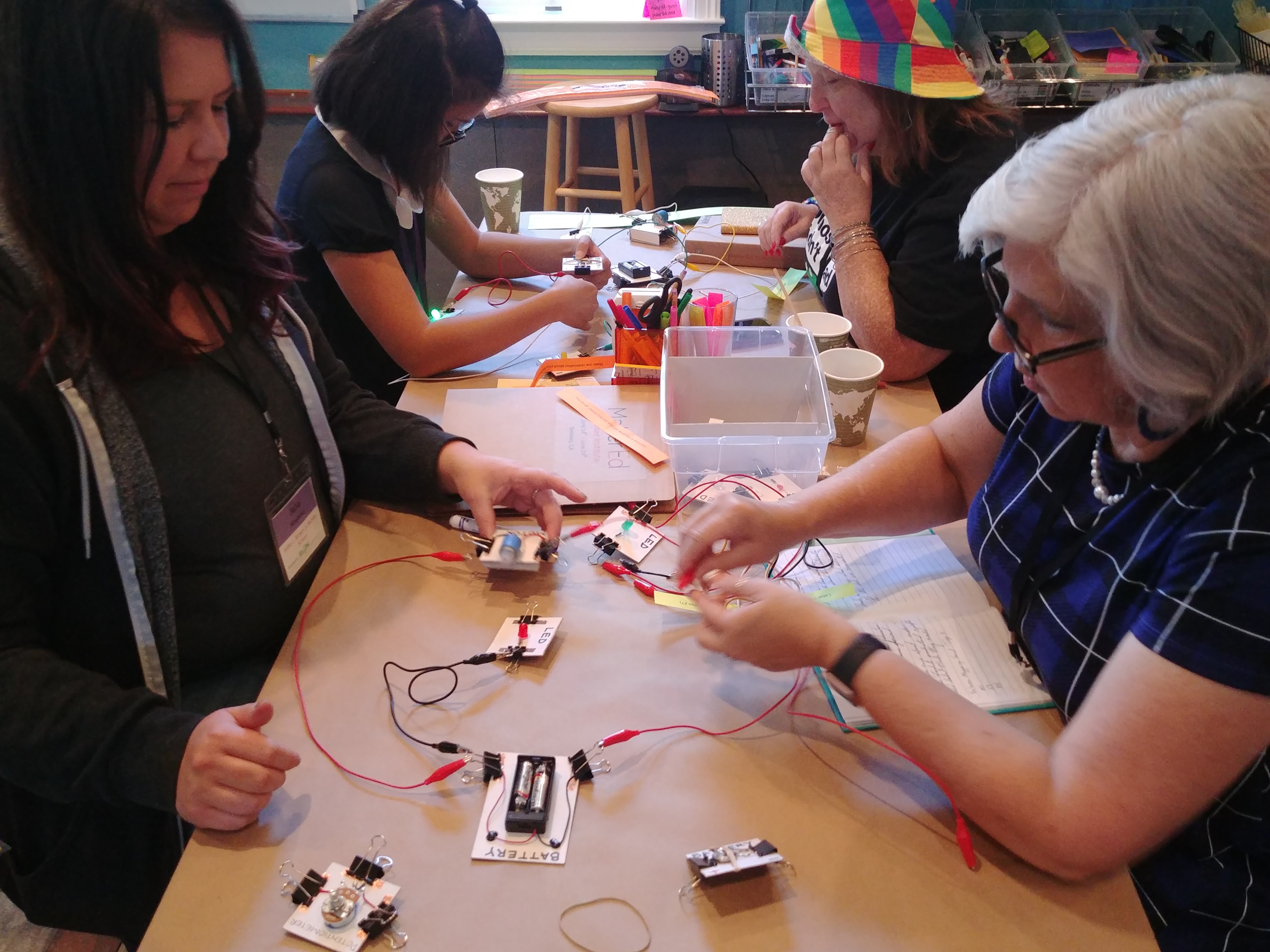 A group of educators 4 experiments with circuit blocks in pairs